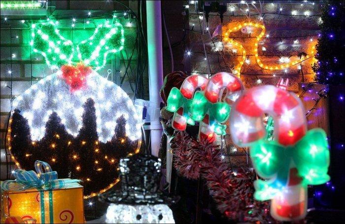 Новогодняя сказка на британской улице (16 фото)