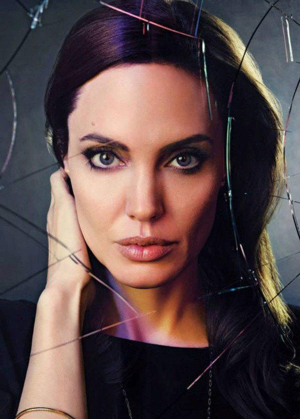 Анджелина Джоли (5 фото)