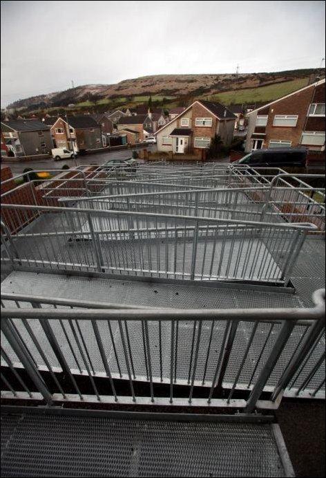 Пандус для инвалидов в Шотландии (4 фото)