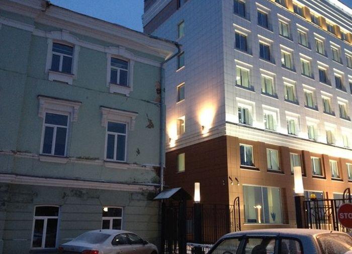 Два здания в центре Томска (2 фото)