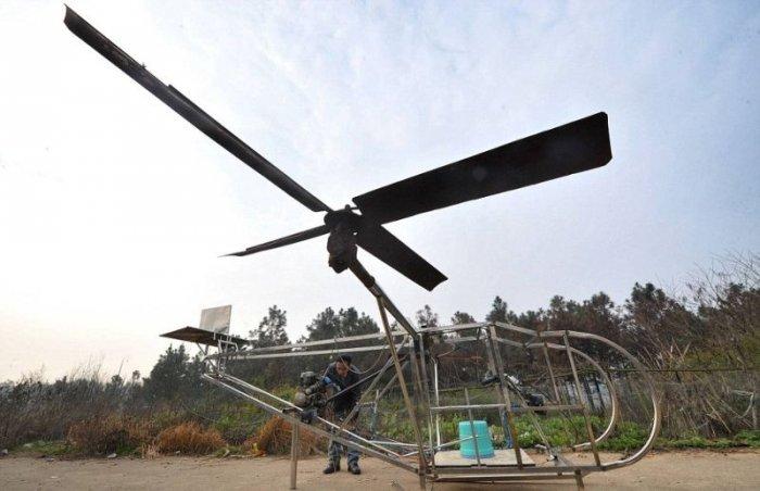 Китаец построил вертолет из металлолома (8 фото)