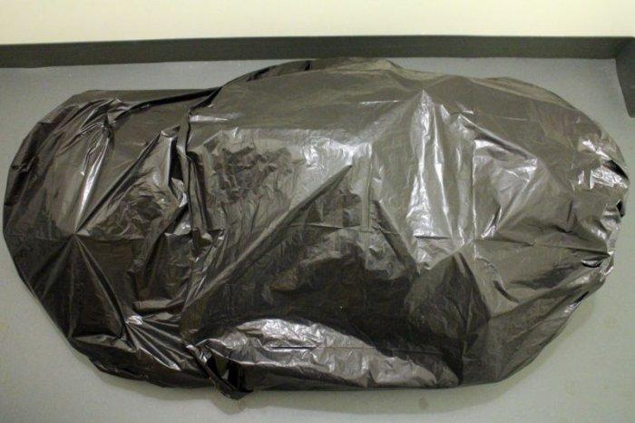 Розыгрыш с трупом в мешке (12 фото)