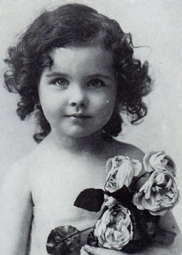 Старые фотографии знаменитостей. Часть 2 (20 фото)