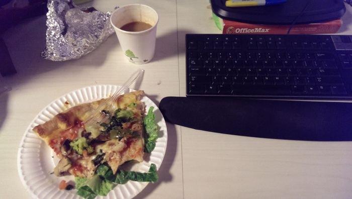 Обед офисных работников (35 фото)