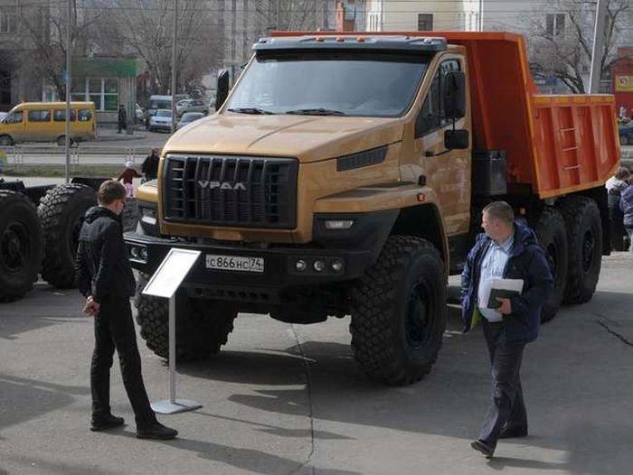 Новый дизайн грузовика Урал (5 фото)
