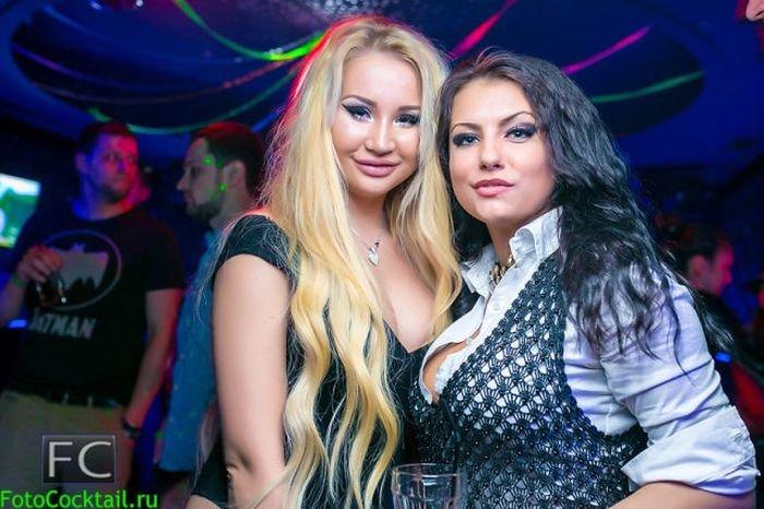 russkie-v-klubah-chleni-nashih-polzovateley-foto