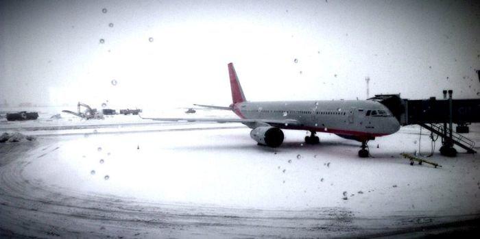 Екатеринбург завалило снегом (23 фото)