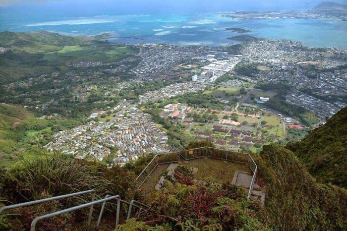 Лестница в небо на Гавайах (14 фото)