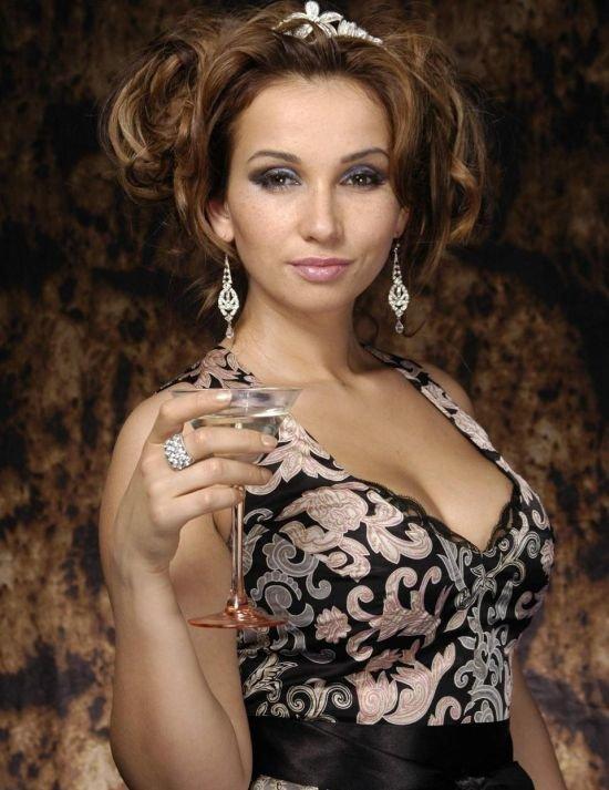 Анфиса Чехова без косметики (2 фото)