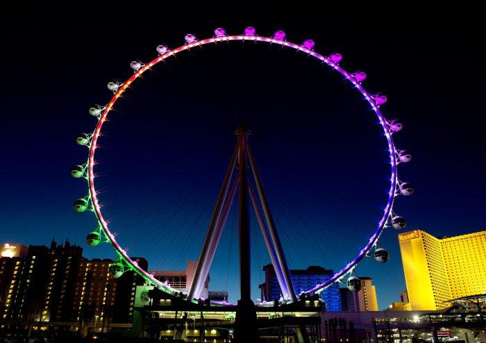Самое высокое колесо обозрения в мире (11 фото)