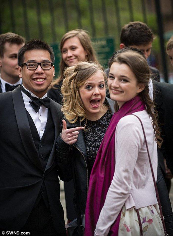 Кембриджские студенты отмечают окончание сессии (37 фото)