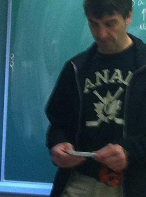 Почему не стоит носить футболки Canada (9 фото)