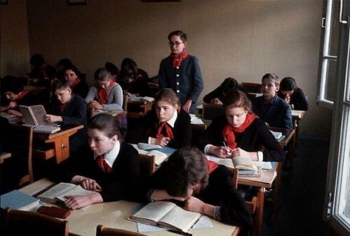 Игры на уроке во времена СССР (11 фото)