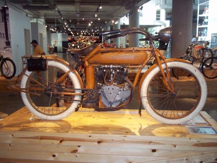 Музей мотоциклов (45 фото)