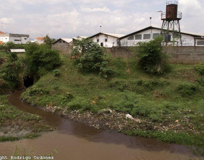 Самая грязная река в мире (13 фото)