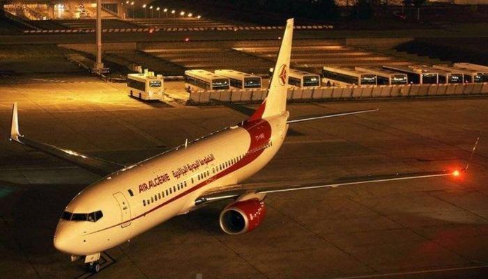 Новая форма стюардесс (2 фото)