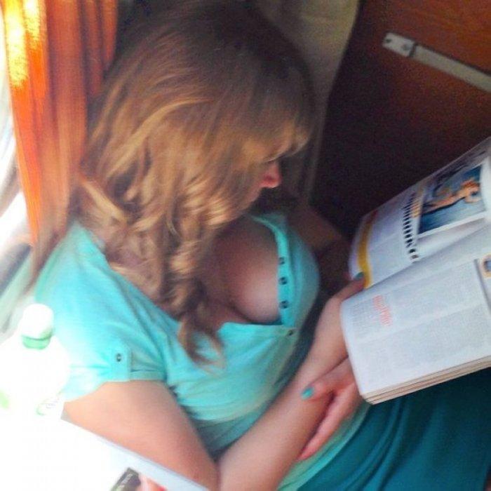 Девушки в поезде (16 фото)
