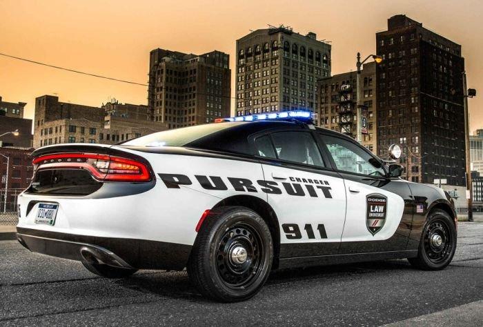 Dodge Charger SRT Hellcat - автомобиль полиции США 2015 года (6 фото)