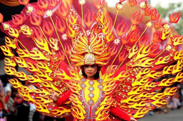 Карнавал моды в Индонезии (28 фото)
