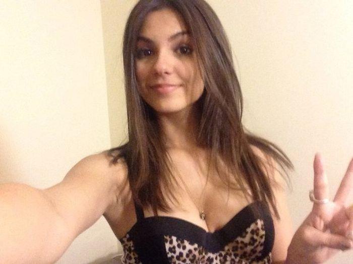 Голая Виктория Джастис (34 фото)