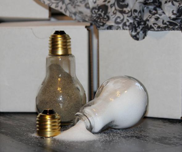 Вторая жизнь старых лампочек (19 фото)