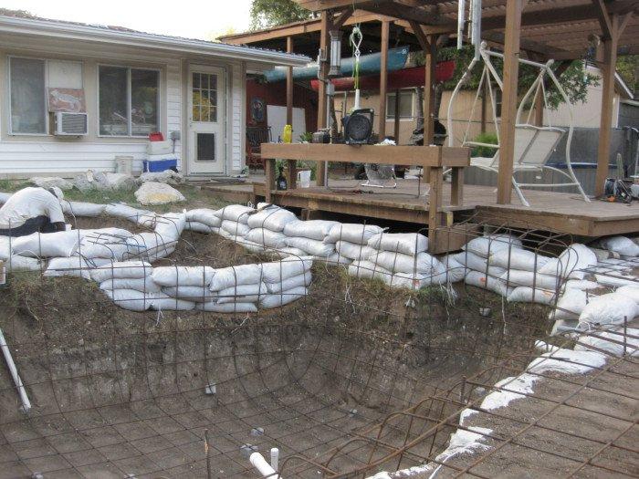 Как сделать водоем на заднем дворе (30 фото)