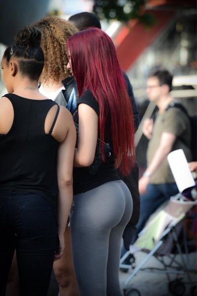 Девушки с формами (72 фото)