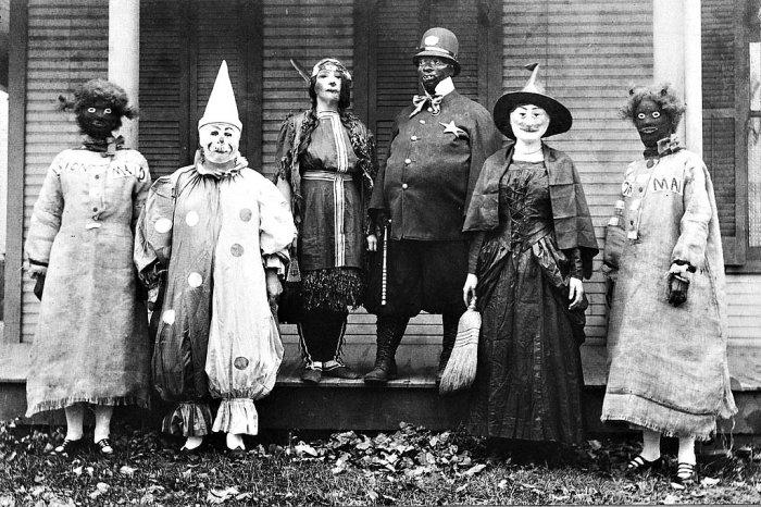 Костюмы на Хеллоуин век назад (20 фото)