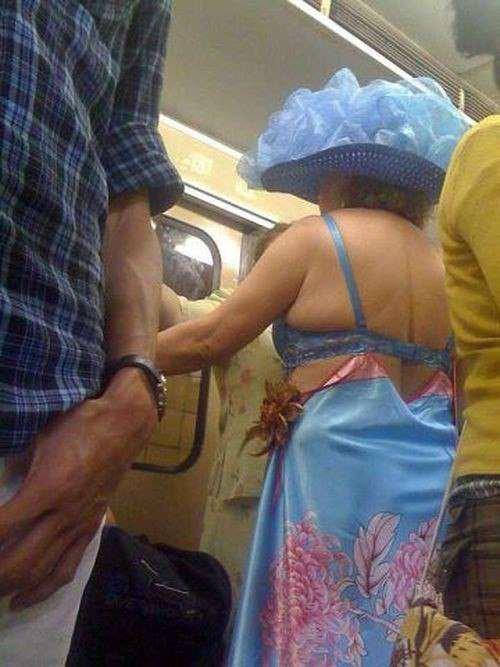 Фрики в метро (26 фото)