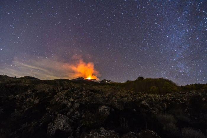 Извержение вулкана Этна (10 фото)