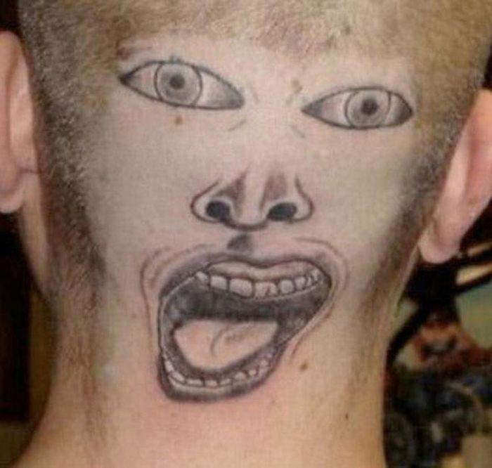 Идиотские татуировки (21 фото)