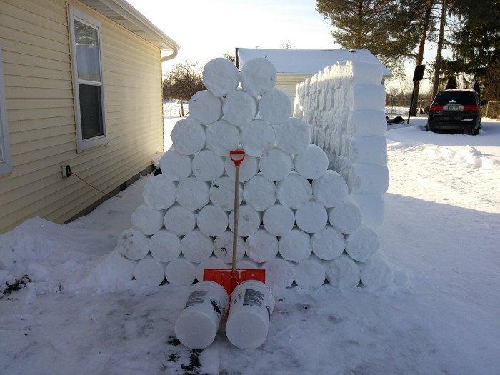 Розыгрыш соседа зимой (27 фото)