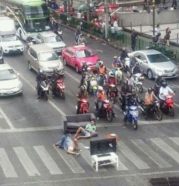 Тем временем в Азии (68 фото)
