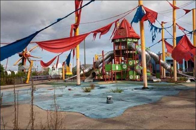 Ужасы детских площадок (35 фото)