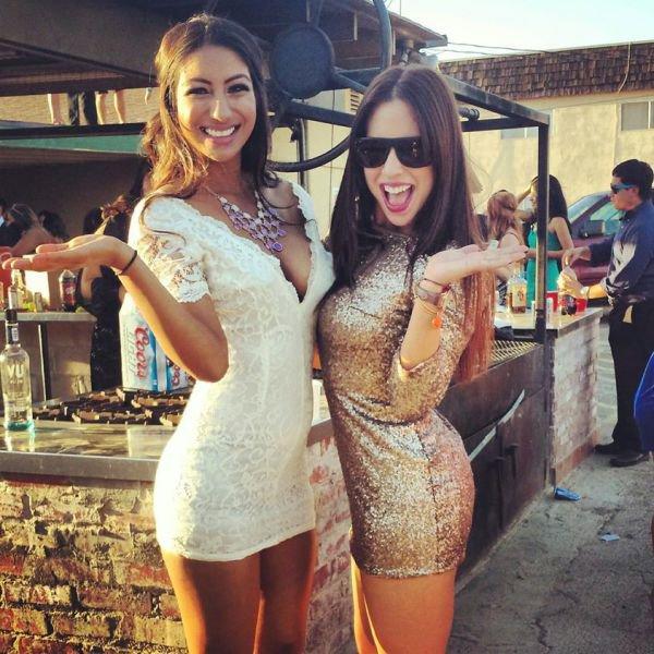 Девушки в обтягивающих платьях (67 фото)