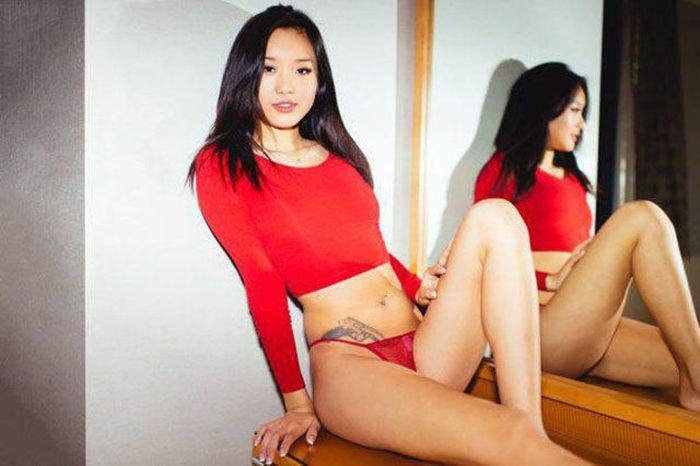 Девушки из Азии (56 фото)