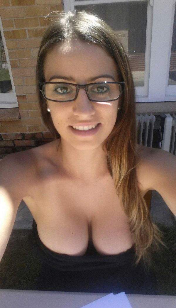 Девушки с большой грудью (29 фото)
