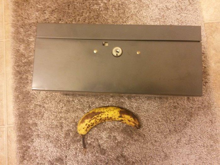 Ящик на съемной квартире (10 фото)