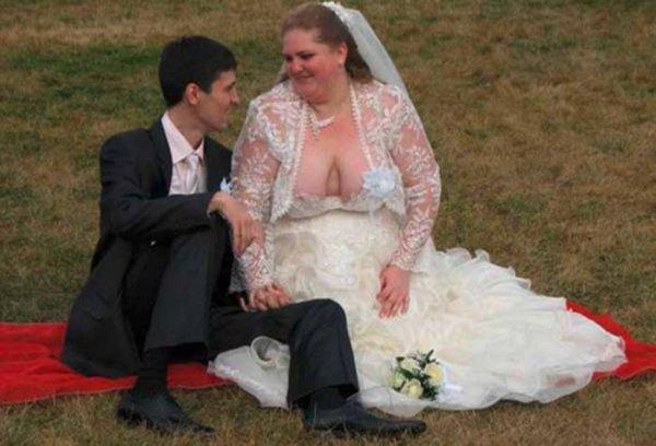 Странные свадебные наряды (28 фото)