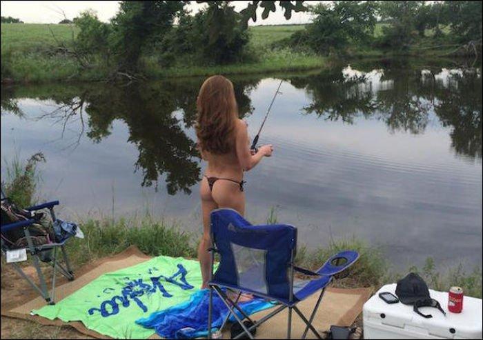 Девушки на рыбалке (40 фото)