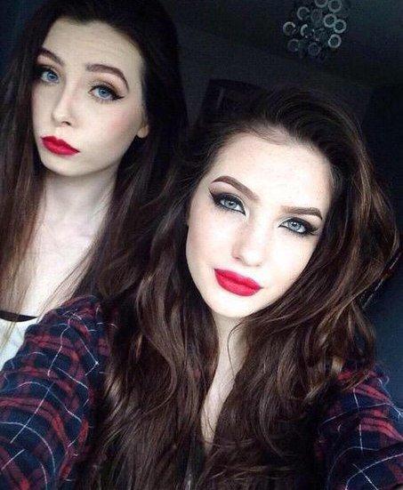 С макияжем и без (2 фото)