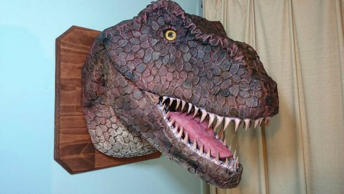 Голова динозавра своими руками (10 фото)