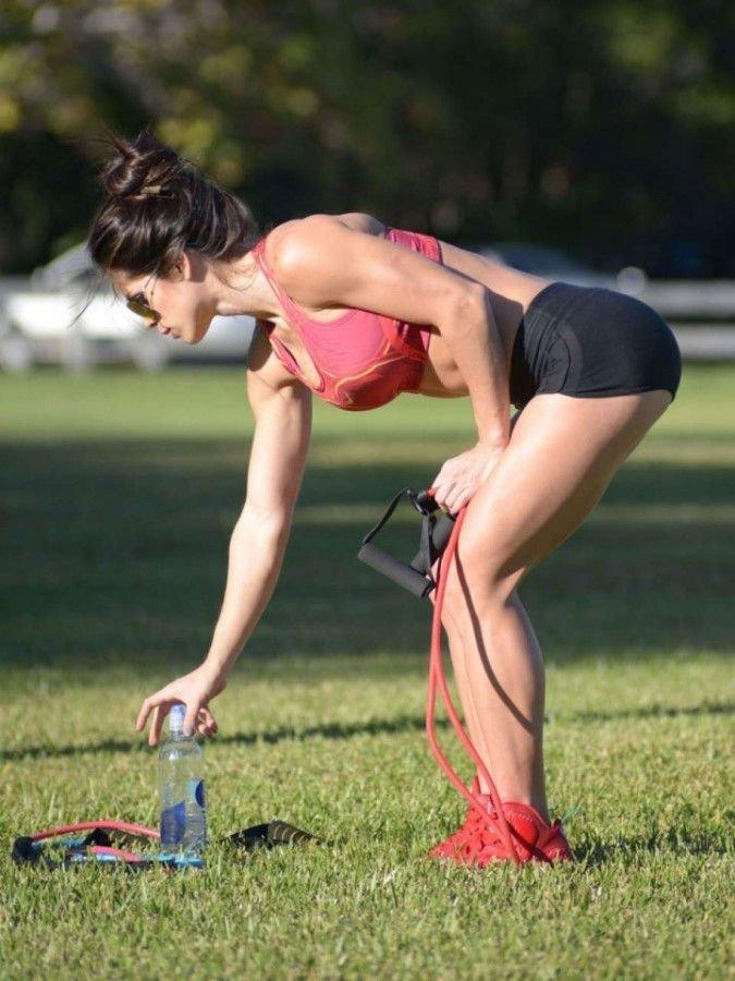 Спортивные девушки (25 фото)