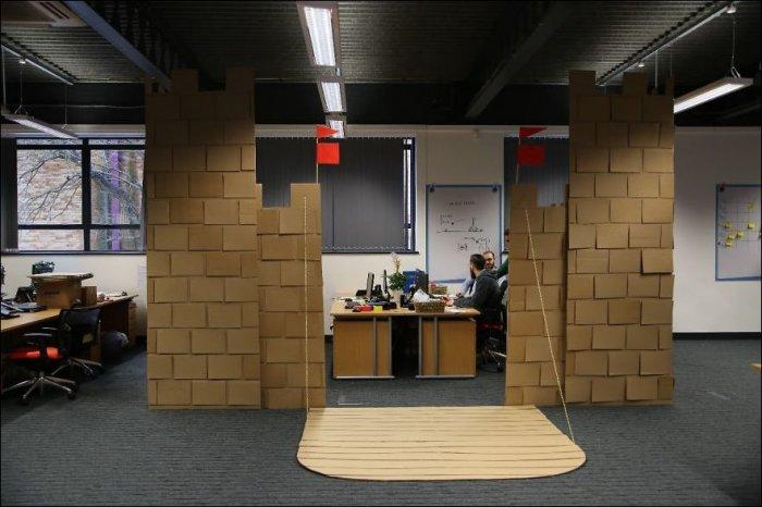 Замок из картона (14 фото)