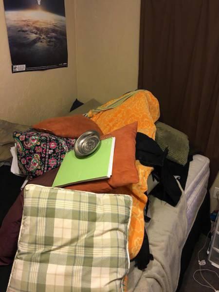 Розыгрыш спящей девушки (31 фото)