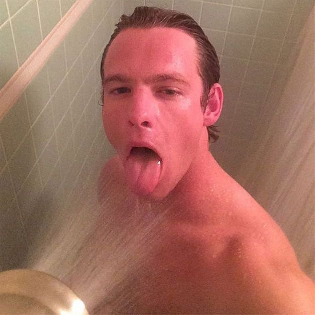 Русская сделала фото для парня в ванной женщина