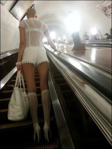 Тем временем в метро (43 фото)