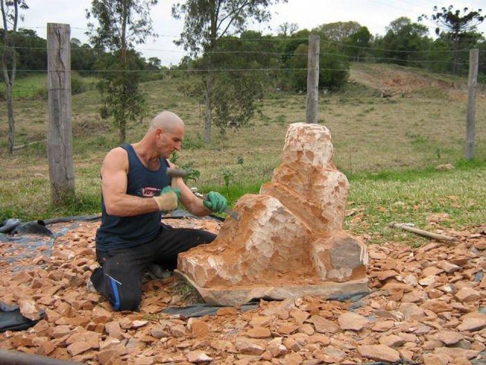 Как делают скульптуры из камня (16 фото)