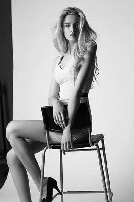 Алиса Маненок (30 фото)