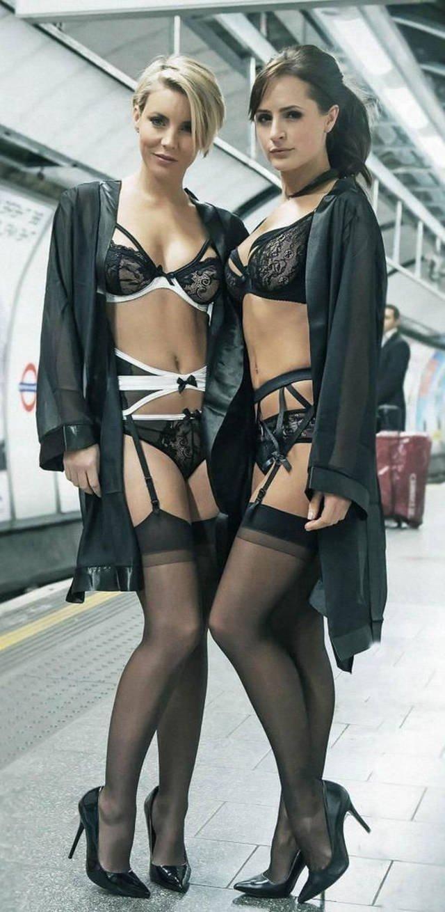 Девушки в нижнем белье (39 фото)